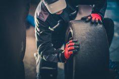 Bender Reifen Recycling - Reifenwechsel an der Rennstrecke